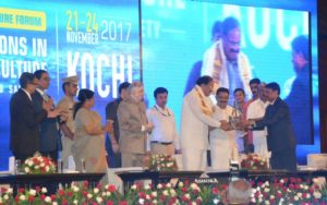 Dr. J.K. Jena DDG Fisheries felicitating the Hon'ble Vice President of India Shri. Venkaiah Naidu
